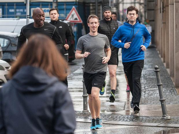CEO Facebook Mark Zuckerberg Được Bảo Vệ Như Thế Nào ?